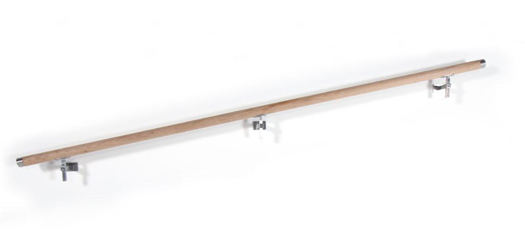 Handlauf aus Eiche, Treppenhandlauf, Holzhandlauf, Edelmetall, Handlaufhalter