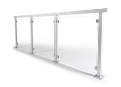 Glasräcke med stolpar i aluminium