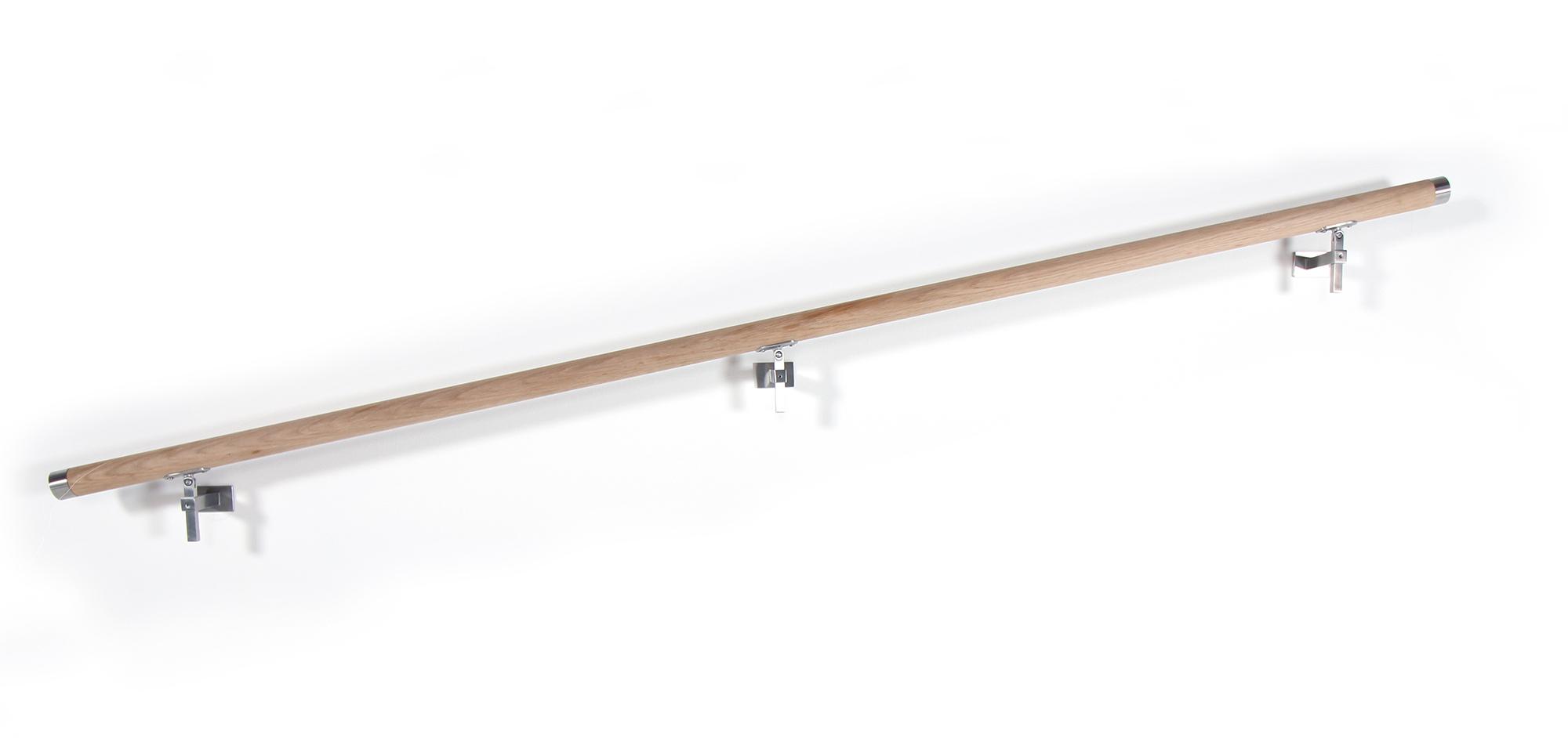 Ledstång i trä att fästa i vägg